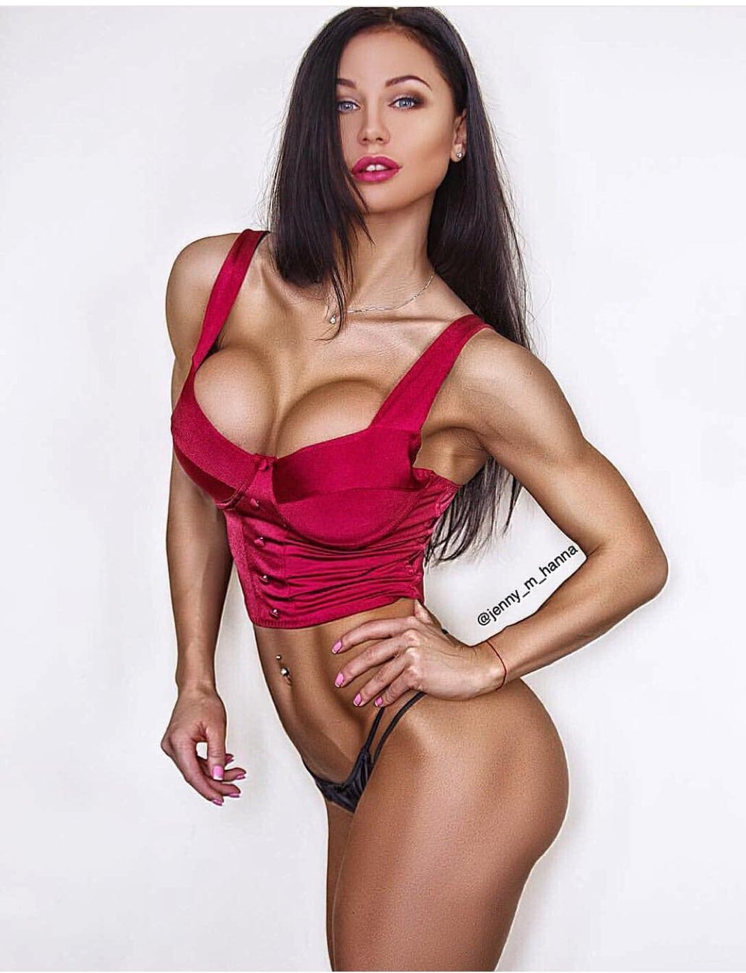 Jenny-bikini1