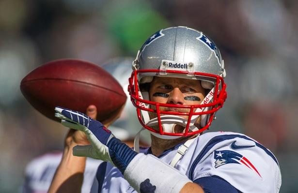 Tom Brady warmups Hauser
