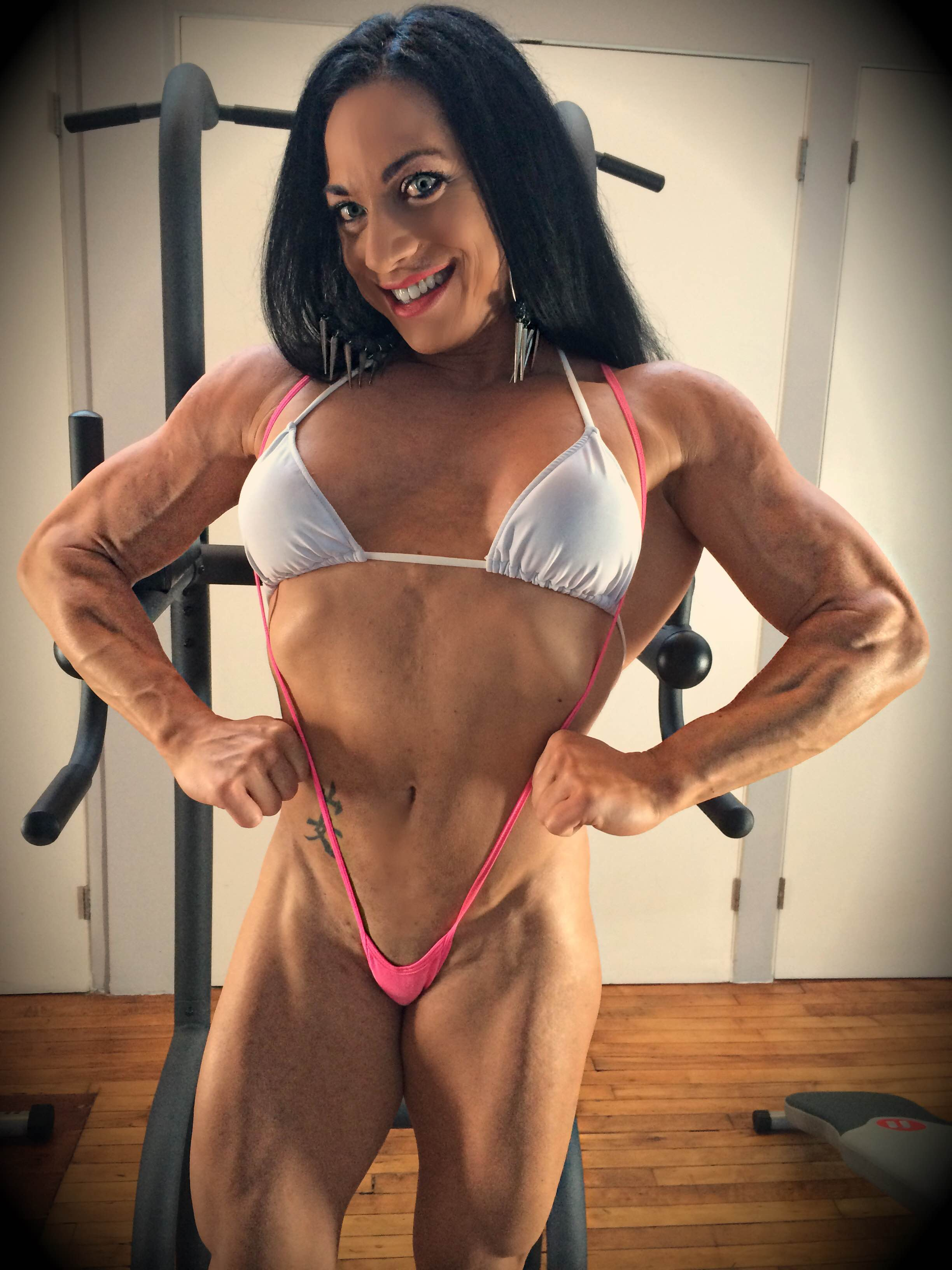 Ripped Vixen front lat spread