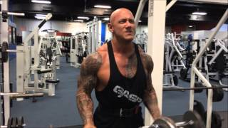 Jerry Ward gym dumbbell curls